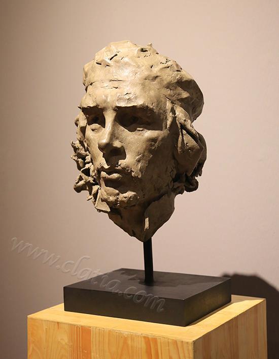 切·格瓦拉-青铜(侧视)