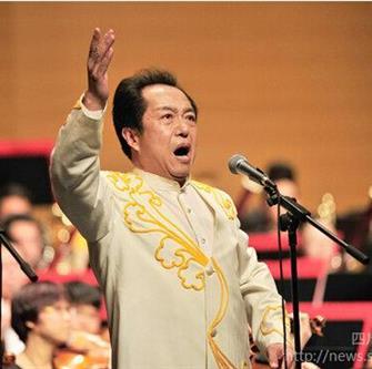 我校音乐学院黄金中教授率团赴甘肃为家乡人民献艺