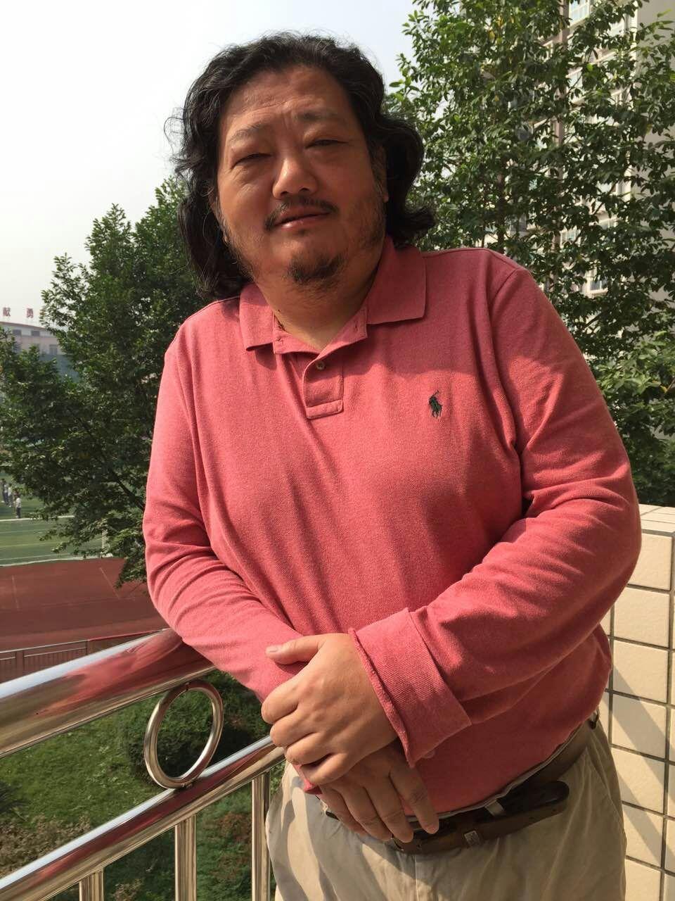 你们的手风琴系主任第一个在北京音乐厅独奏!