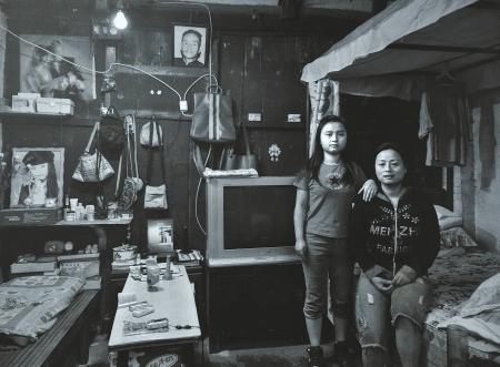 民间摄影师周安跟拍10年 记录水井坊老街变迁(组图)